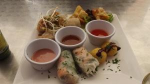Essa comida é vietnamita, mas também com tudo fresquinho!